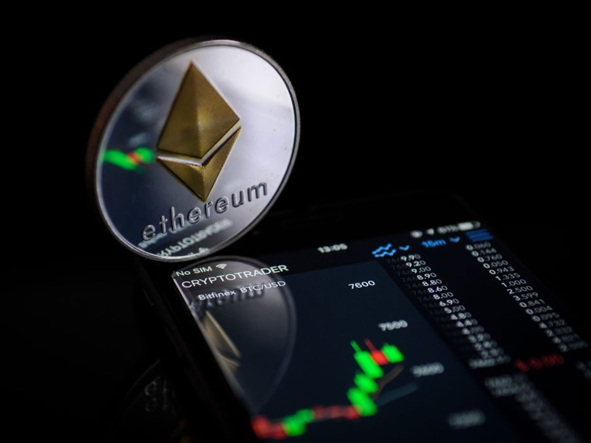 XRP Leads to Higher Highs While Ethereum Strikes Bitcoin
