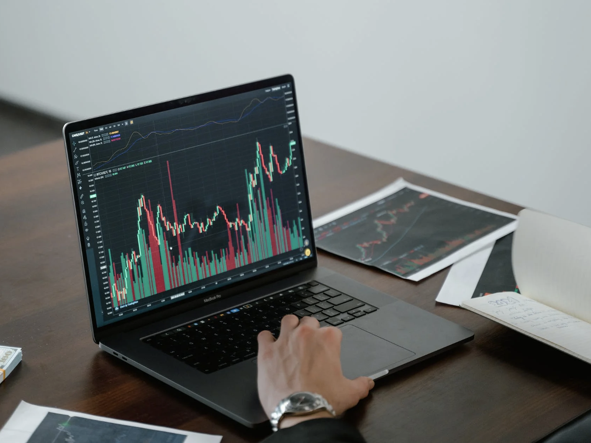 XRP Encounters a Rare Occurrence After Trading Over Its 1 Price